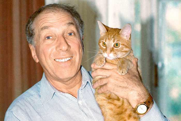 Сергей Юрский с котом фото