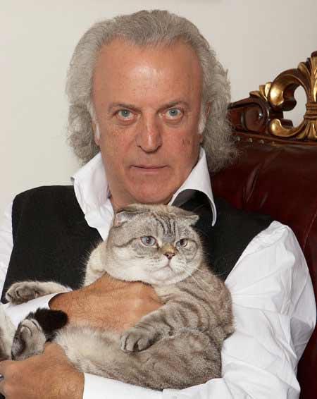 Илья Резники его кошки Ляля и Бенджамин фото