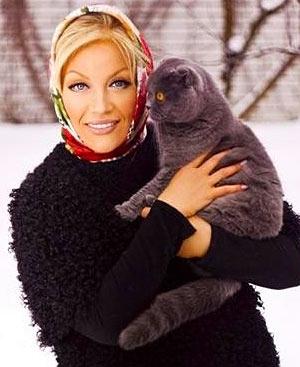 Таисия Повалий и кошка Маруся фото