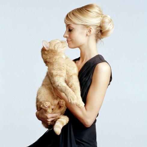 Николь Ричи с кошкой фото
