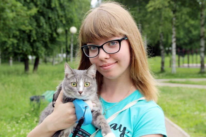 Тренированная кошка Масяня из Твери выполняет команды лучше многих собак фото