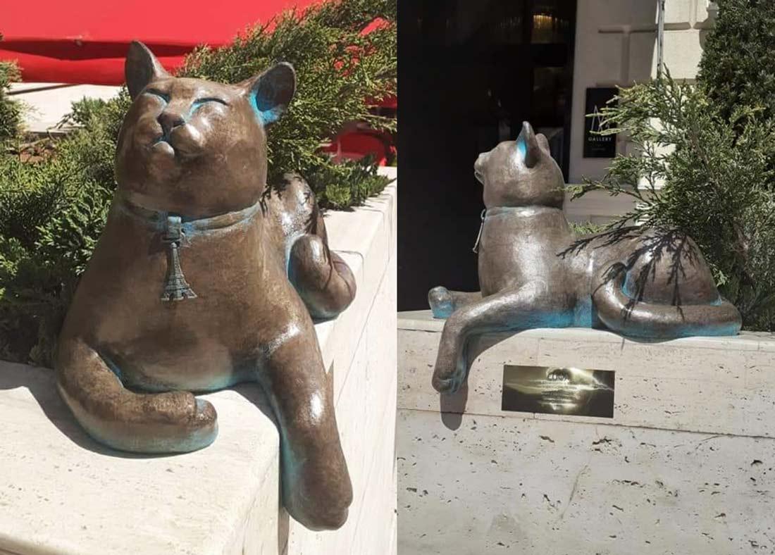В Одессе установили памятник беззаботной кошке Софе фото