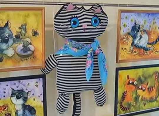 Открылась выставка «Кошки в городе» фото